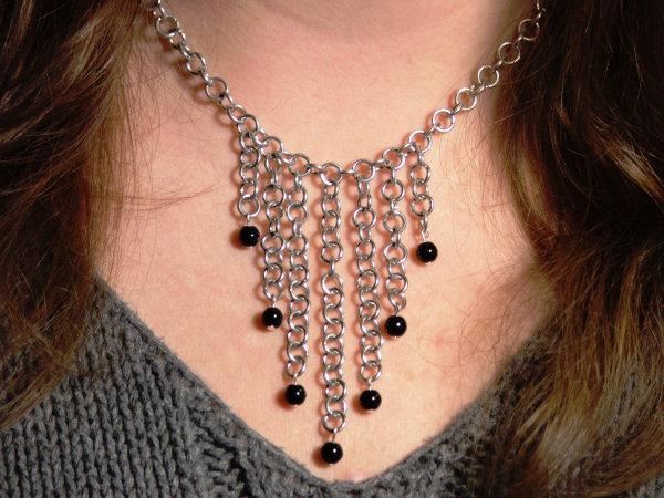 Black_Bead_Waterfall_necklace_by_drazan.jpg