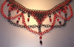 Gothic_Chainmaille_Necklace_by_drazan.jpg