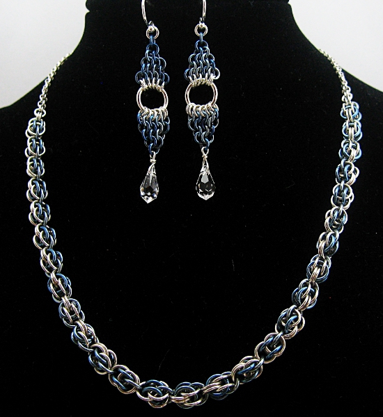 blue sweetpea necklace earrings