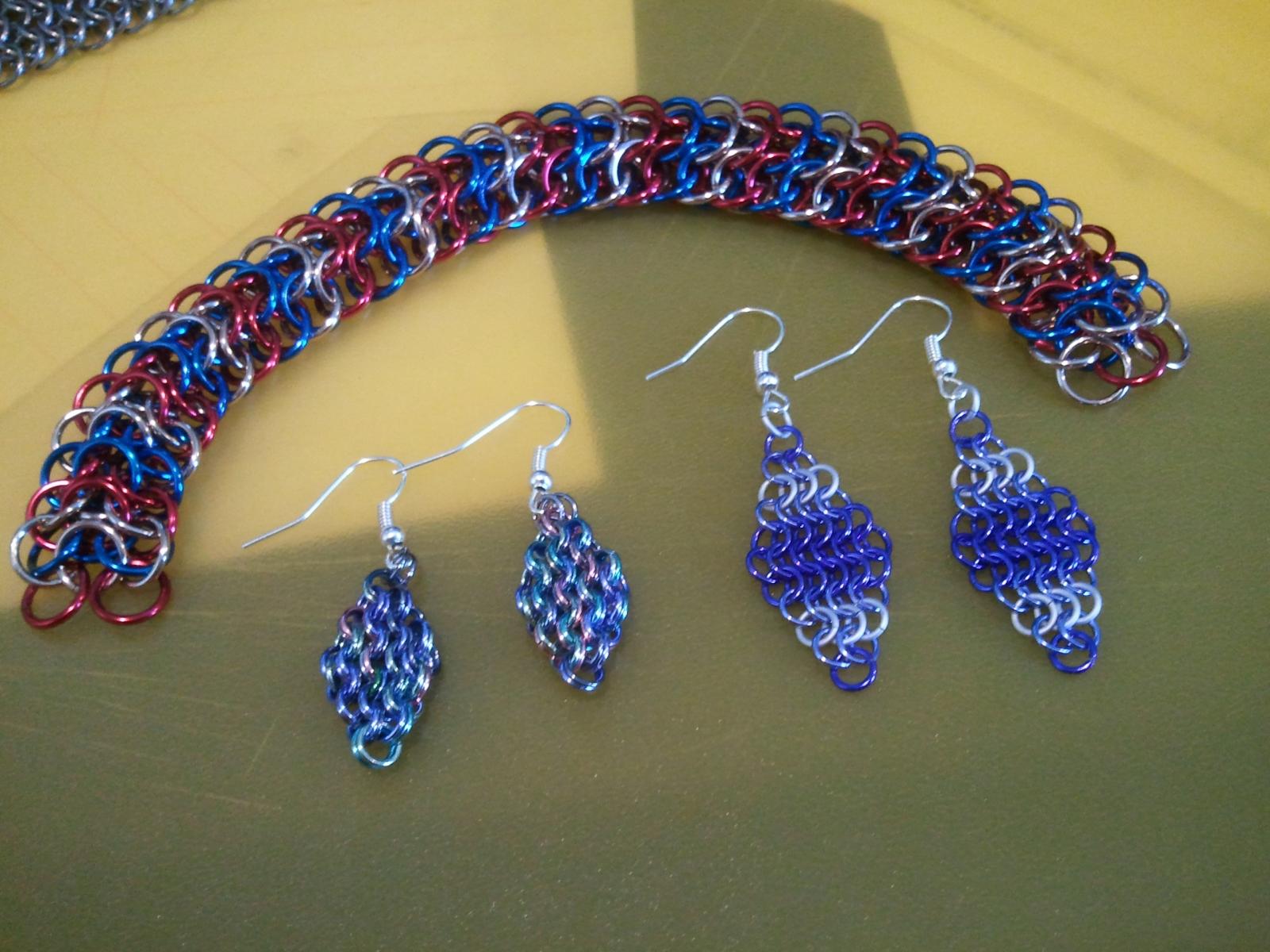 2 Pairs of Earrings w/ Dragonback Bracelet