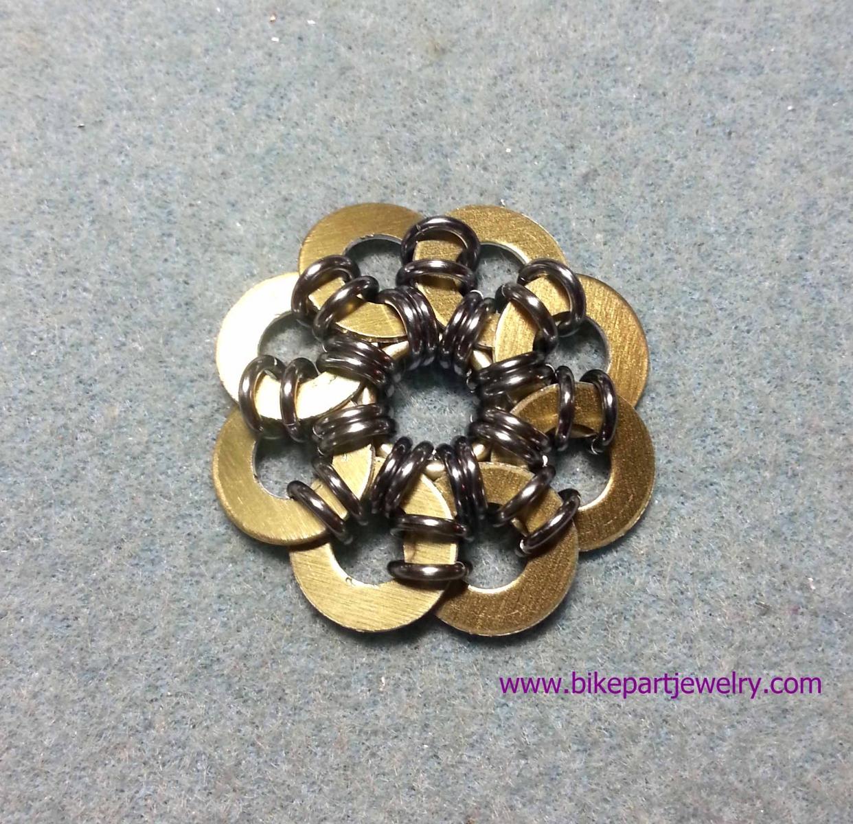 Round Scale Flower
