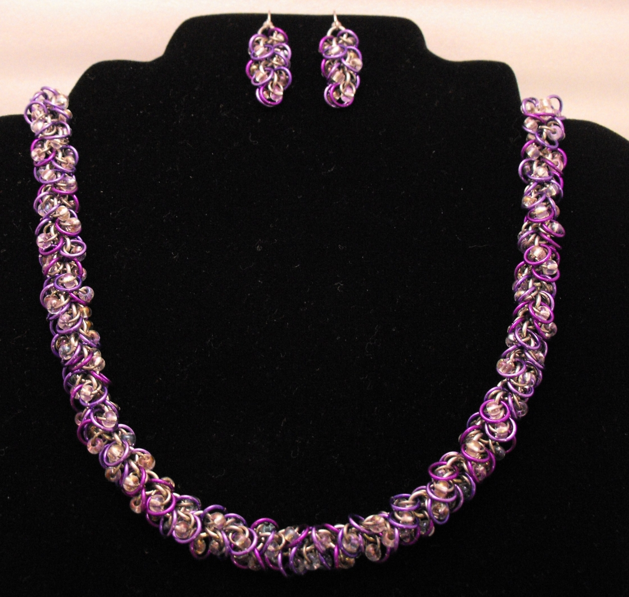 Shaggy loops with glass beads