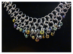 E 4-1 Shaggy Loops Choker (Detail)