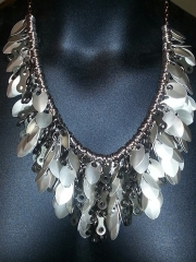 shaggy necklace