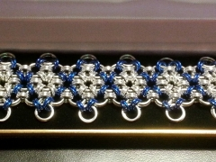 Bracelet diamomds blue