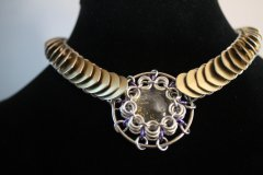 Scale/Maille wrapped pendant Choker
